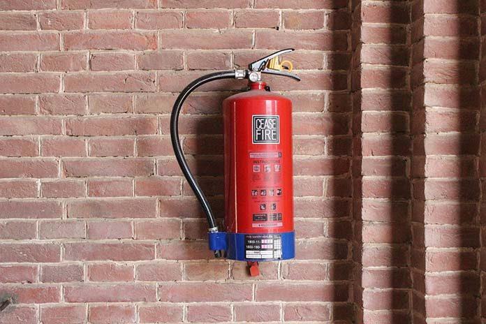 Legalizacja gaśnic – zadbaj o dobry stan sprzętu przeciwpożarowego
